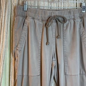 Anthropologie/Cloth & Stone Tan Joggers Size small
